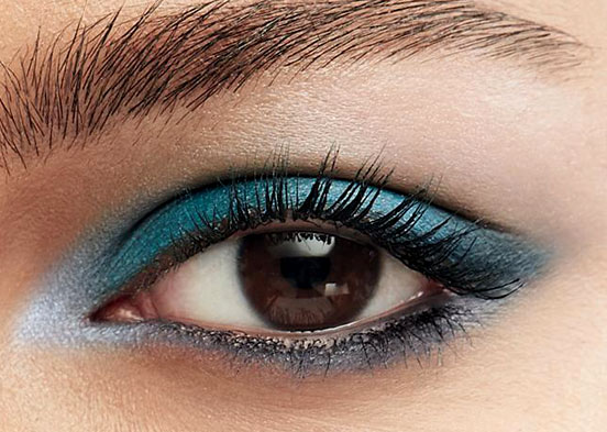 Mascara hacks for amazing lashes